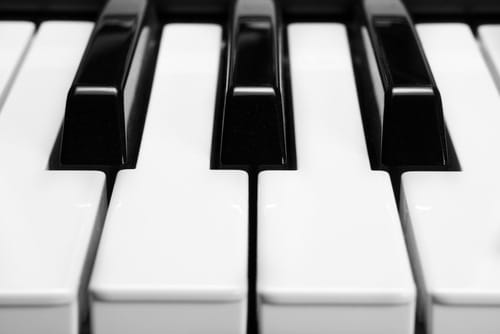 Learn to play the piano at the National Academy of Music